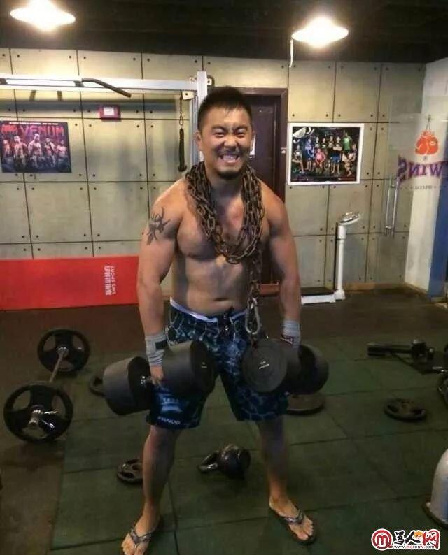 徐晓冬在自己的拳馆。